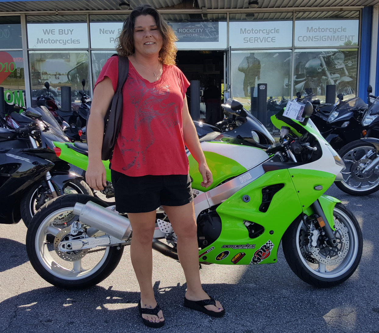 Odell & Amber Gudes with their 2007 Kawasaki ZZR600