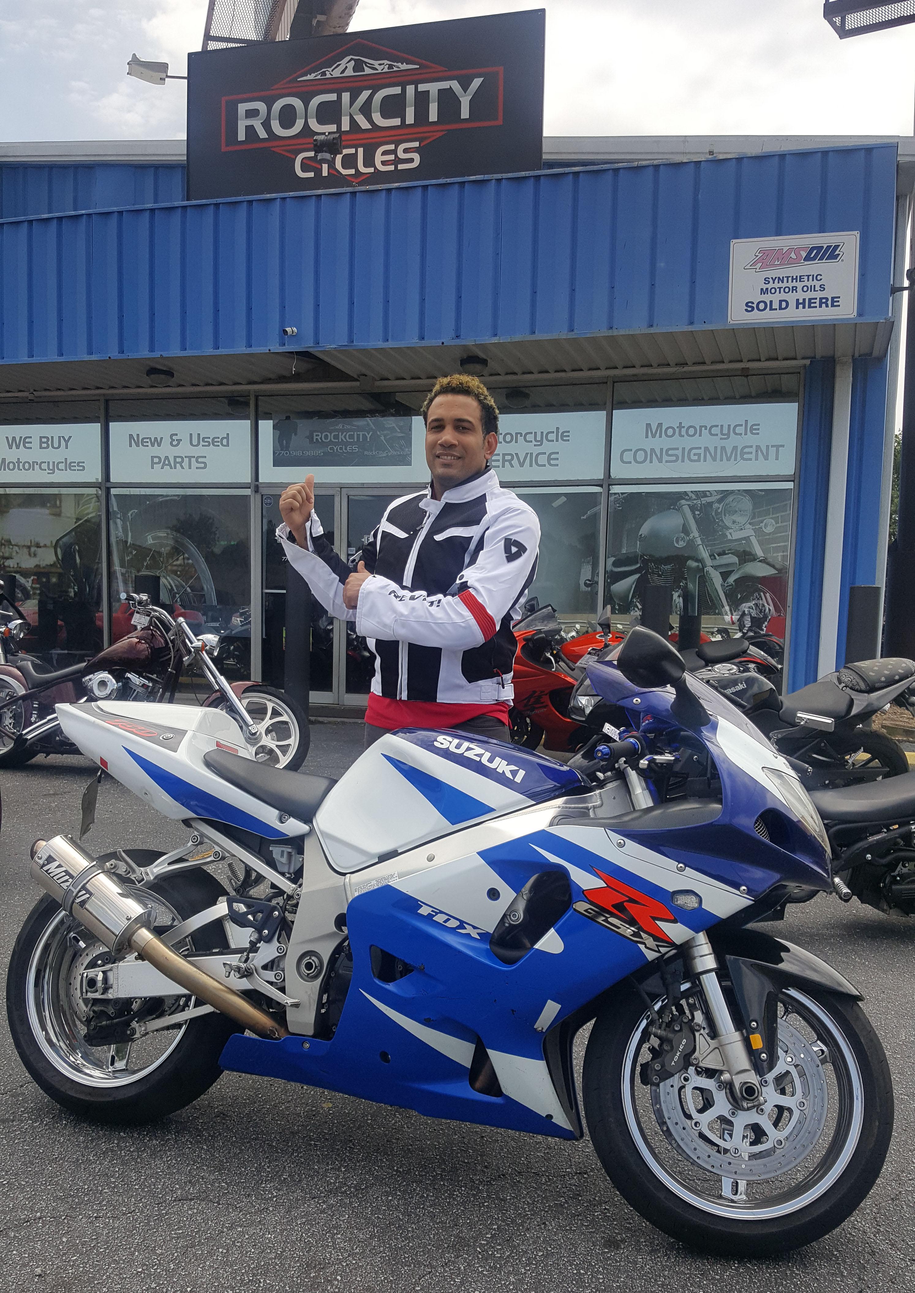 Miguel M. with his 2001 Suzuki GSX-R750