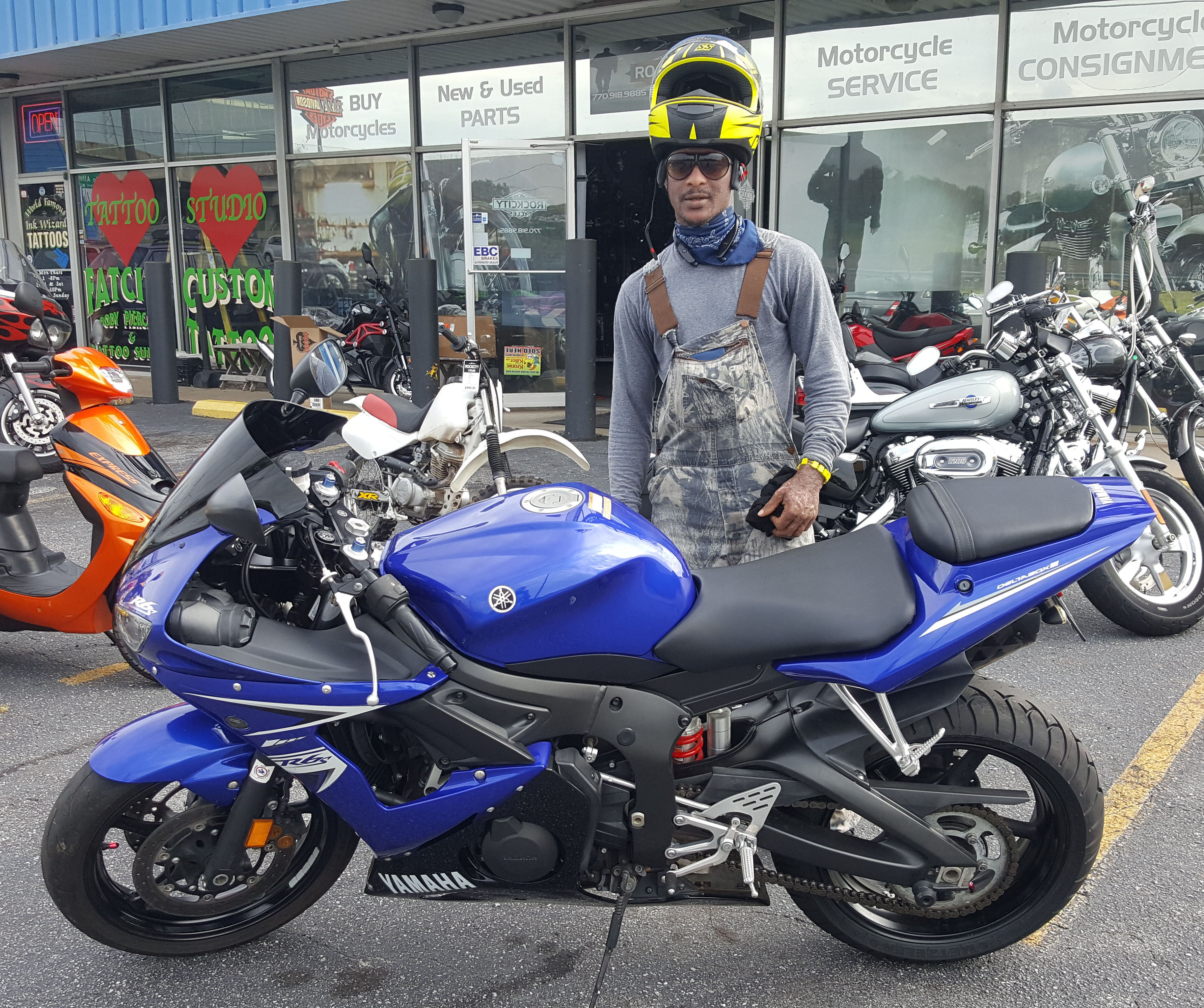 Andrew G. with his 2009 Yamaha YZF-R6S