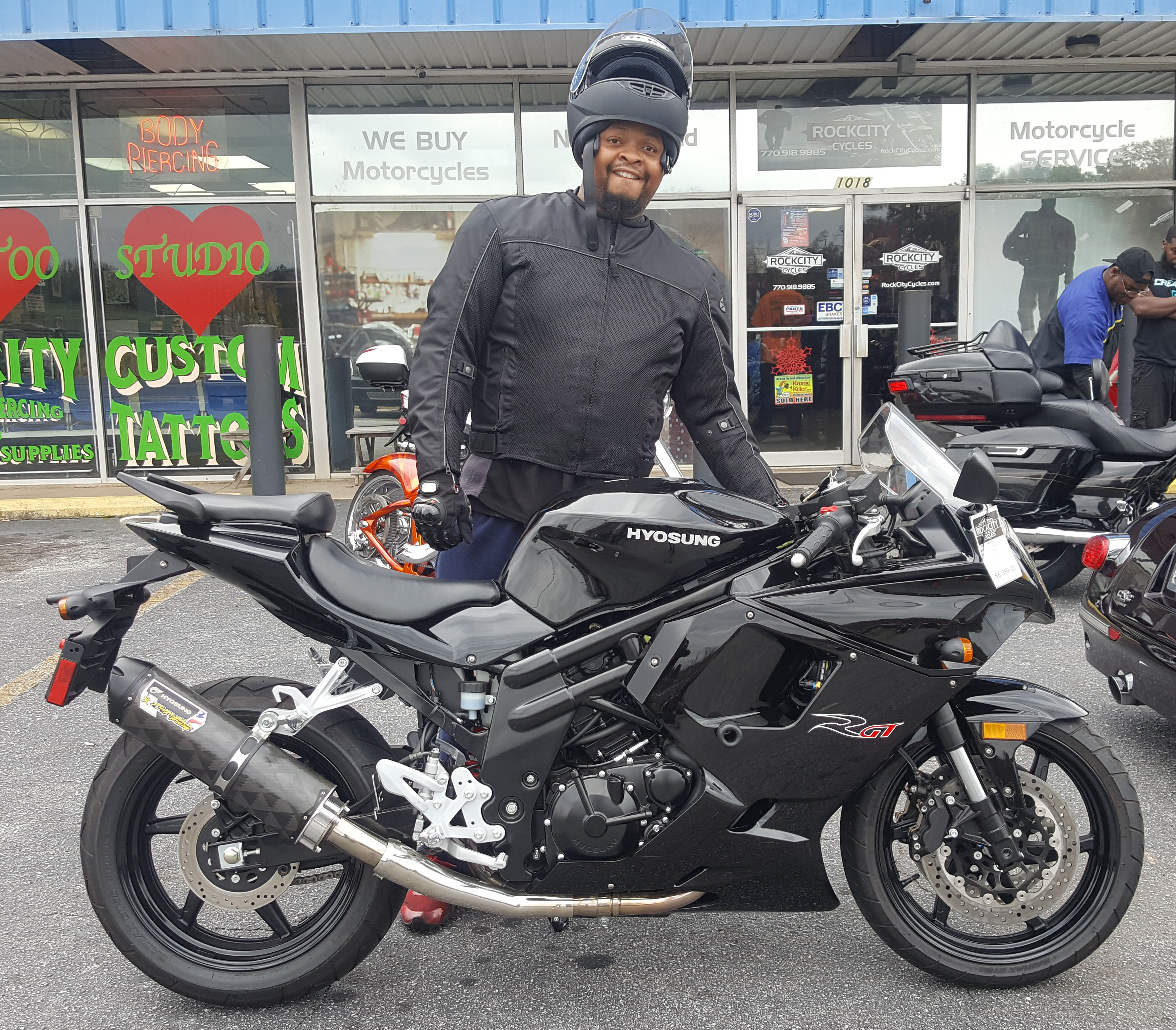 Taron H. with his 2015 Hyosung GT650R