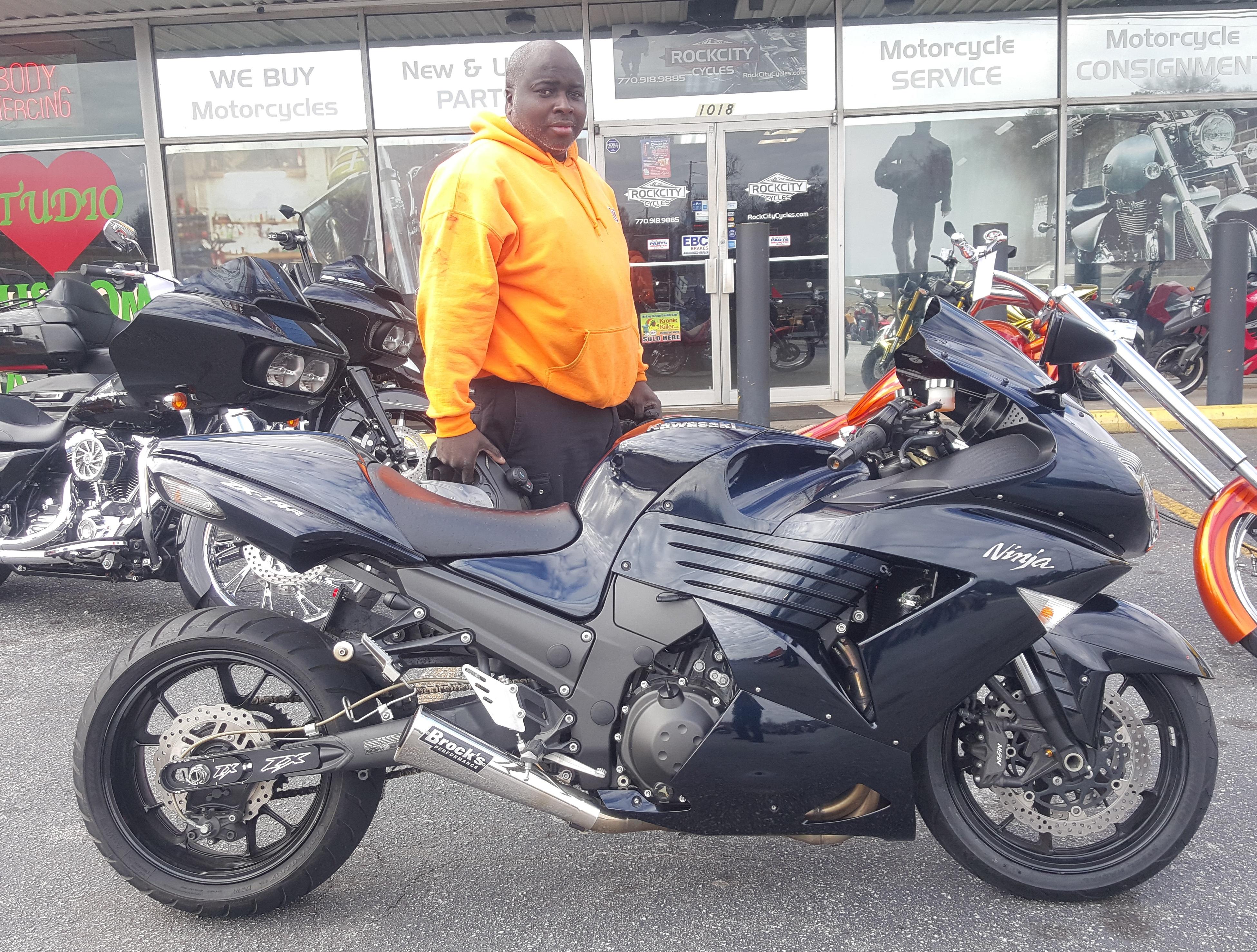 Felton D. with his 2009 Kawasaki Ninja ZX14R