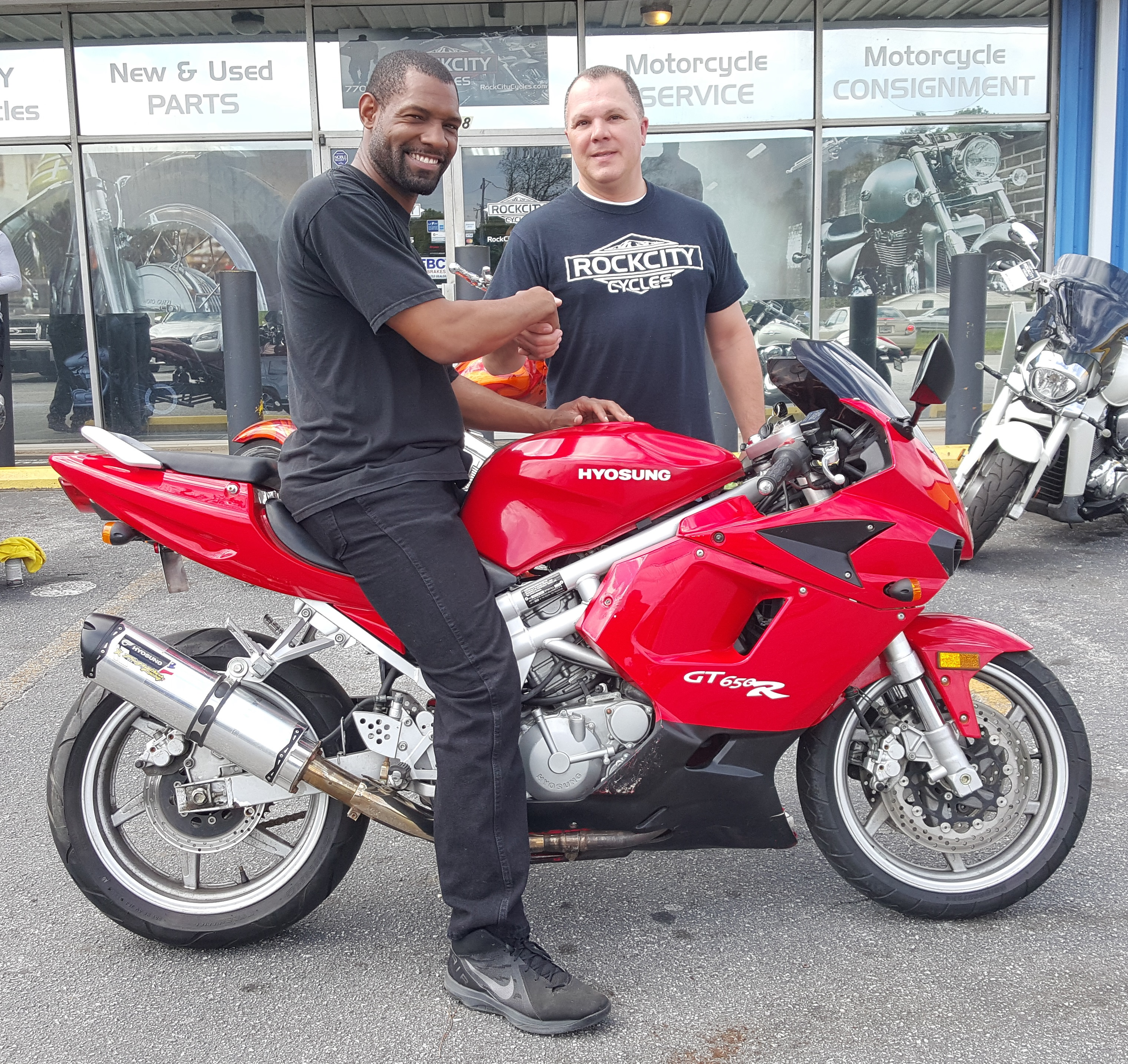 Derrick T. with his 2005 Hyosung GT650R
