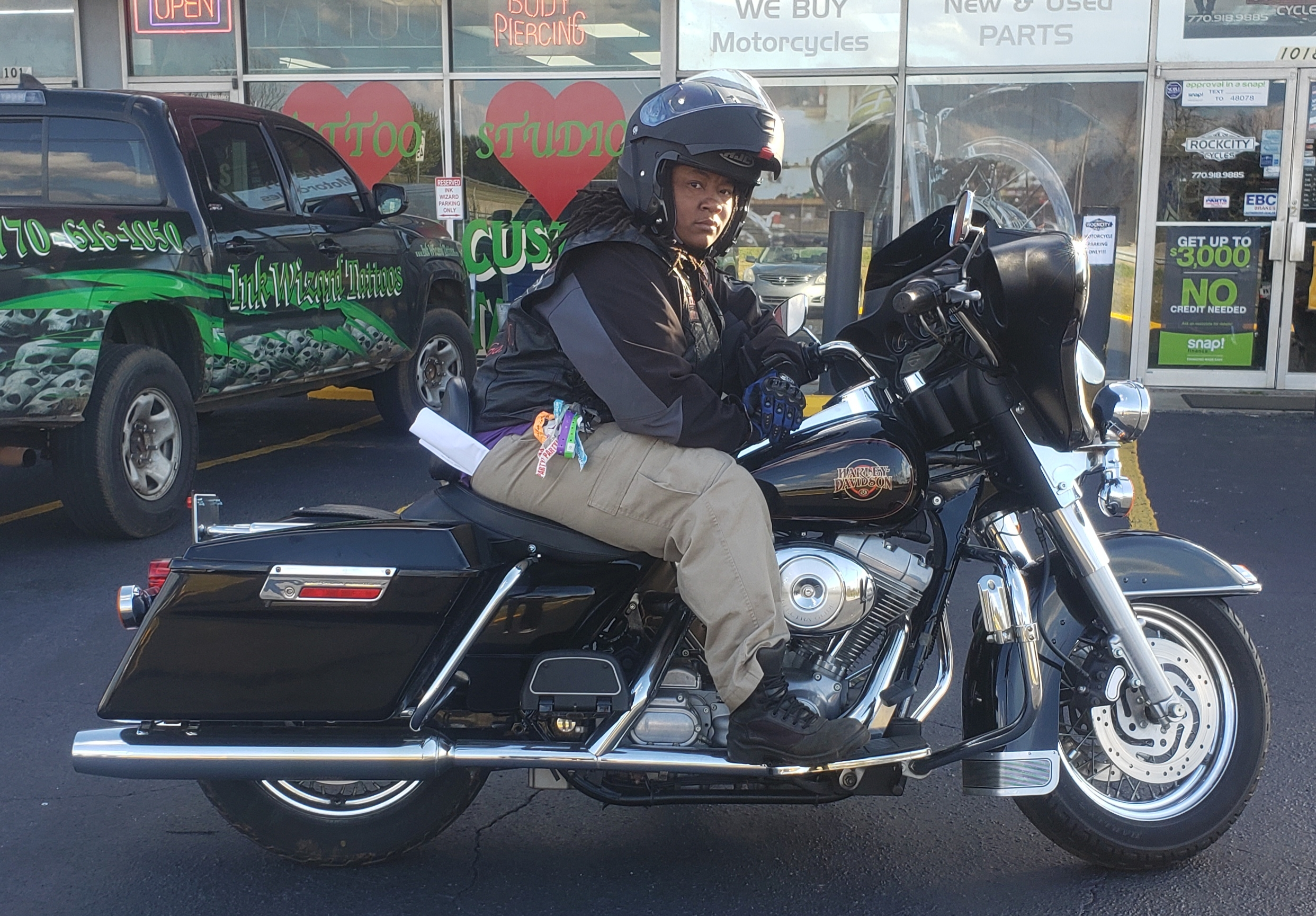 Shanta G. with her 2001 HD FLHT Electra Glide